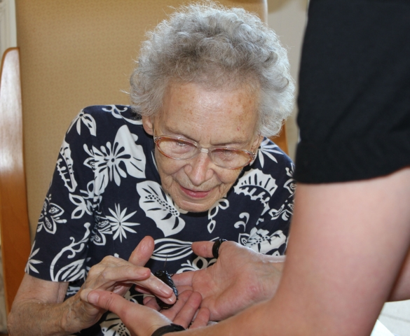 Residents enjoying the Zoolab experience at Bradfield Residential Home, Kent